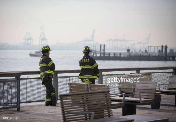 Seastreak Ferry Crashes Into Manhattan Pier Nyc Police Say