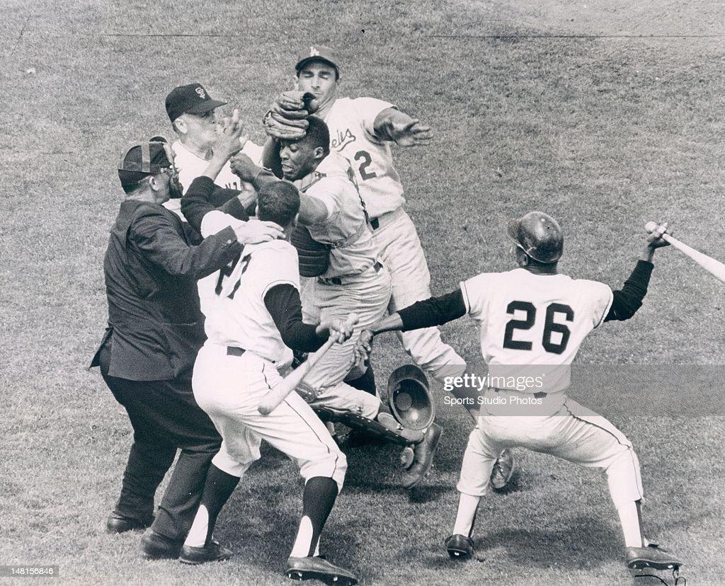 New York Giants vs. Los Angeles Dodgers : News Photo