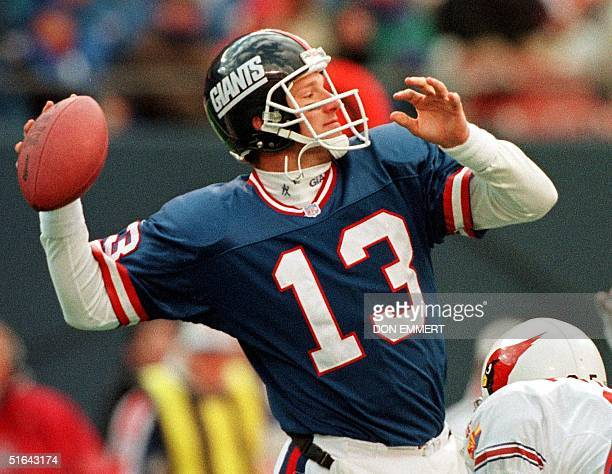 New York Giants quarterback Danny Kanell looks downfield as he prepares to throw to wide receiver Amani Toomer down the right side for a 56yard...