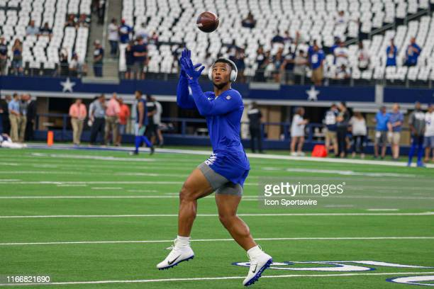 New York Giants Running Back Saquon Barkley warms up prior to the game between the New York Giants and the Dallas Cowboys on September 8, 2019 at...