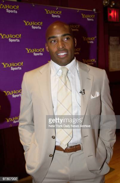 New York Giants' running back Tiki Barber helps kicks off Yahoo Sports' Fantasy Football season at the Park Avenue Country Club. He helped fans in...