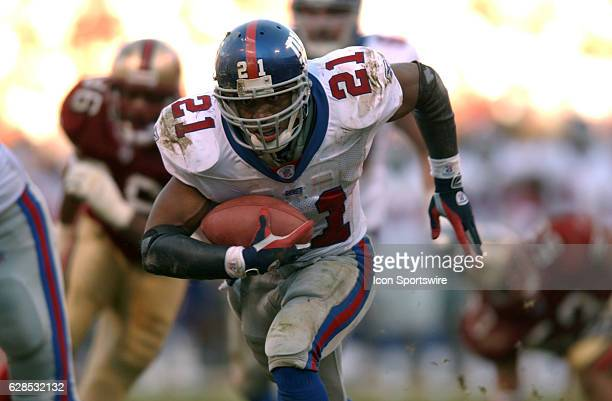 New York Giants Tiki Barber during a playoff game against the San Francisco 49ers Sunday January 5 in San Diego CA
