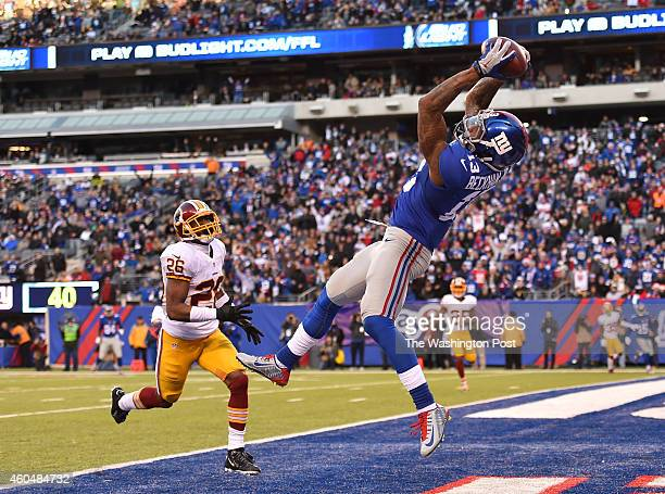 New York Giants wide receiver Odell Beckham makes a touchdown catch that was called back on a holding penalty as Washington Redskins cornerback...