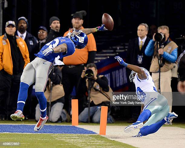 New York Giants wide receiver Odell Beckham makes stunning touchdown catch in the first half during game against the Dallas Cowboys Sunday November...