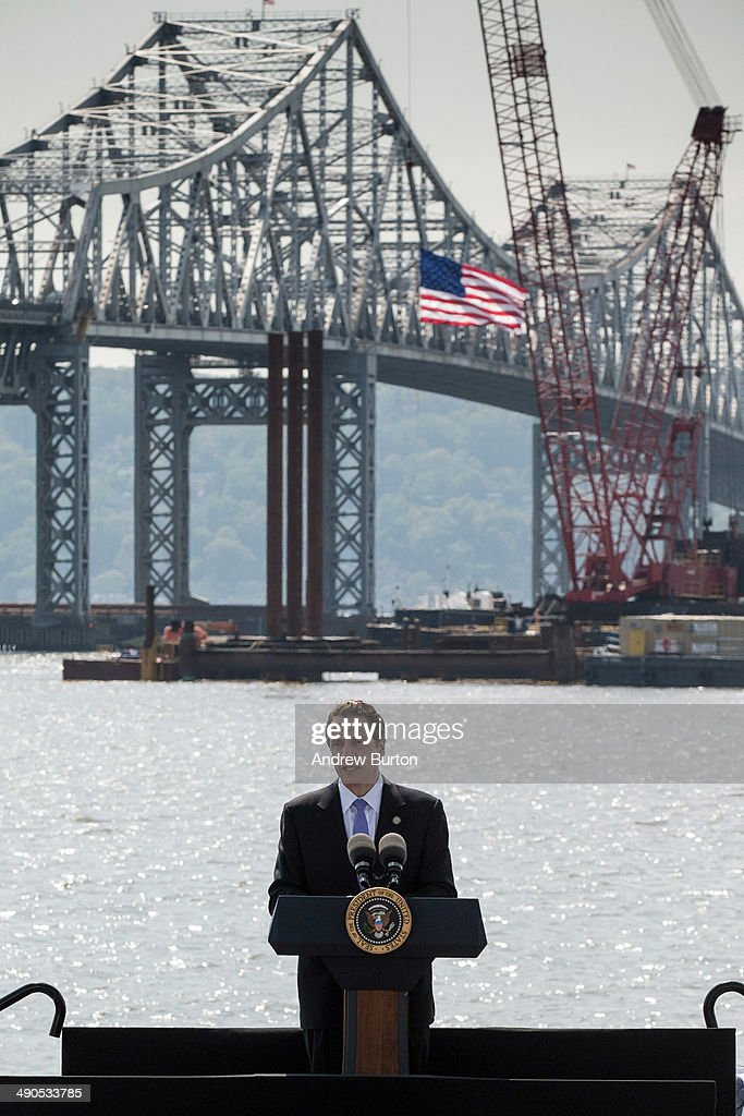 New York Governor Andrew Cuomo introduces U.S. President Barack Obama at the Washington Irving Boat Club on May 14, 2014 in Tarrytown, New York. Tomorrow President Obama will attend the opening of the National September 11 Memorial and Museum.
