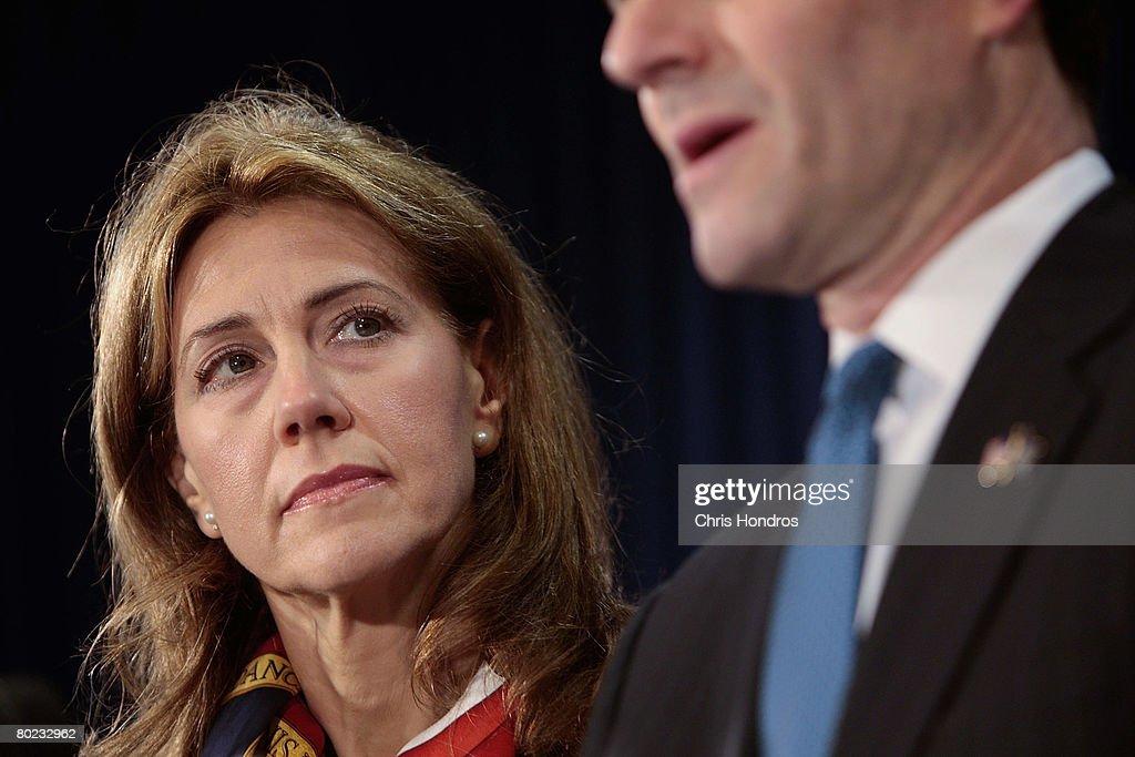 New York Gov. Eliot Spitzer Linked To Prostitution Ring : News Photo