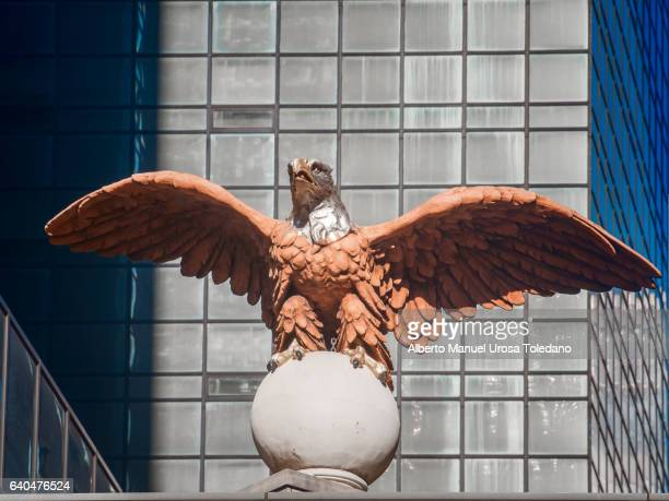 usa, new york, grand central terminal - eagle sculpture - american flag eagle stock pictures, royalty-free photos & images