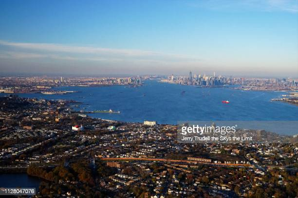 new york harbor - staten island stock pictures, royalty-free photos & images
