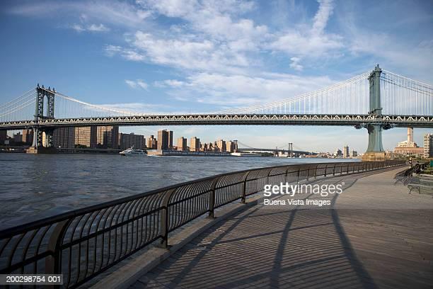 USA, New York, Hudson River and Manhattan Bridge, view from Brooklyn
