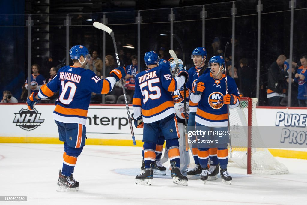 NHL: NOV 05 Senators at Islanders : News Photo