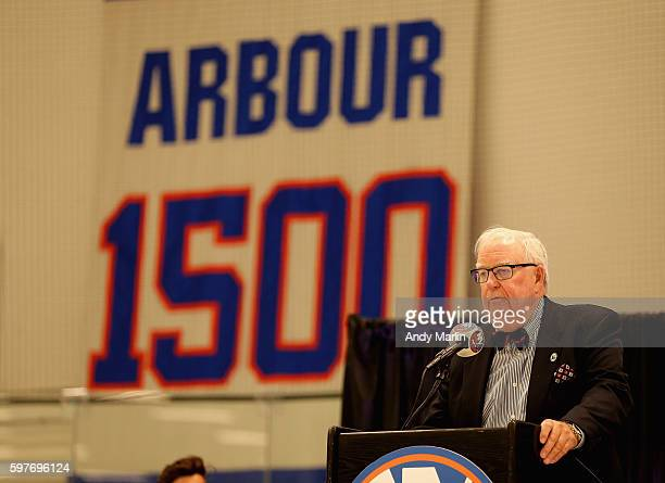 New York Islanders former general manager Bill Torrey addresses the guests during the New York Islanders memorial service for Al Arbour on August 29...