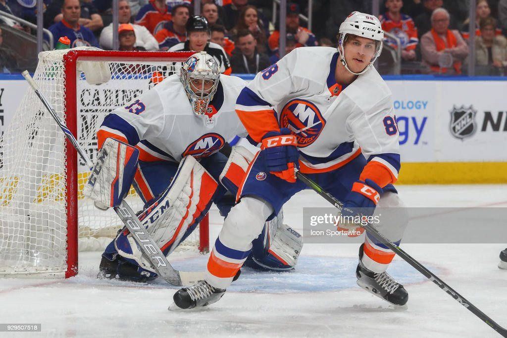 NHL: MAR 08 Islanders at Oilers : News Photo