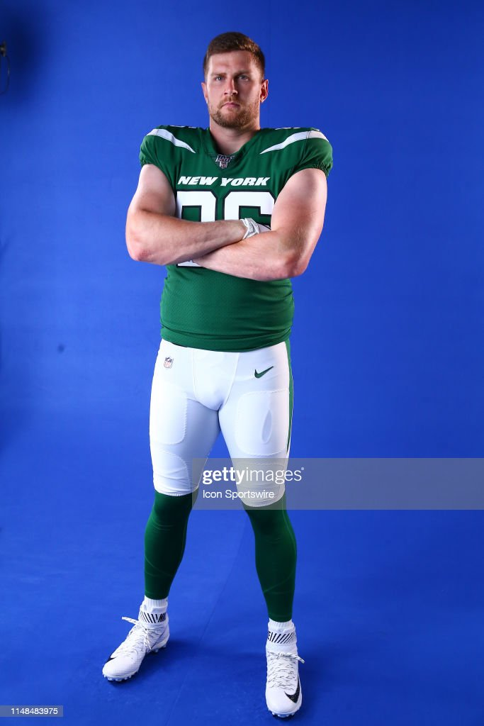 best loved 883e3 2be66 New York Jets defensive end Henry Anderson poses for photos ...