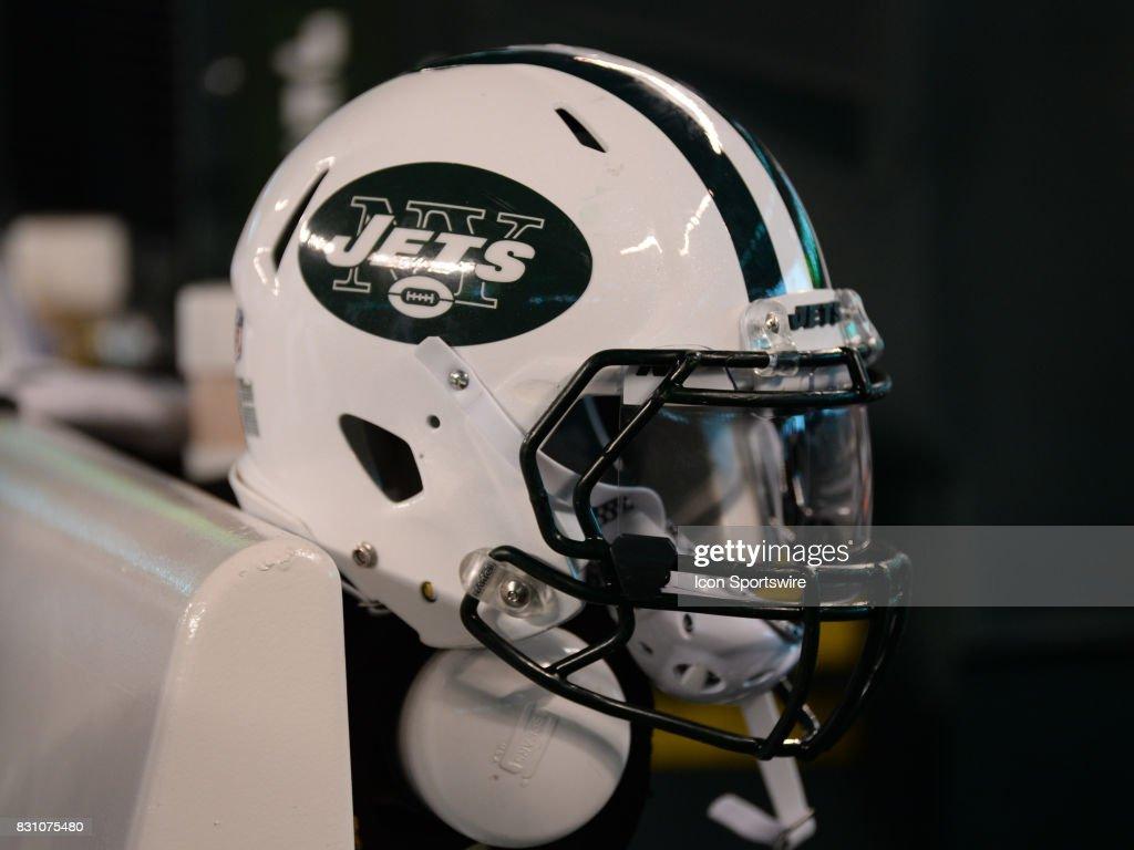 NFL: AUG 12 Preseason - Titans at Jets : News Photo