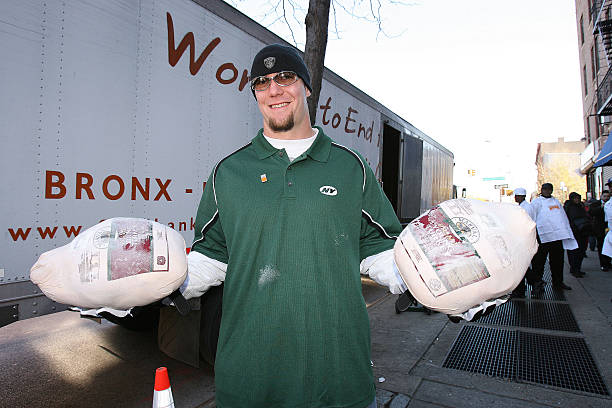 new york jets serve lunch at neighbors together soup kitchen in