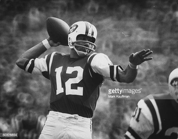 New York Jets quarterback Joe Namath passing the ball
