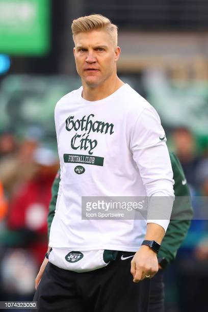 New York Jets quarterback Josh McCown warms up prior to the National Football League game between the New York Jets and the Houston Texans on...