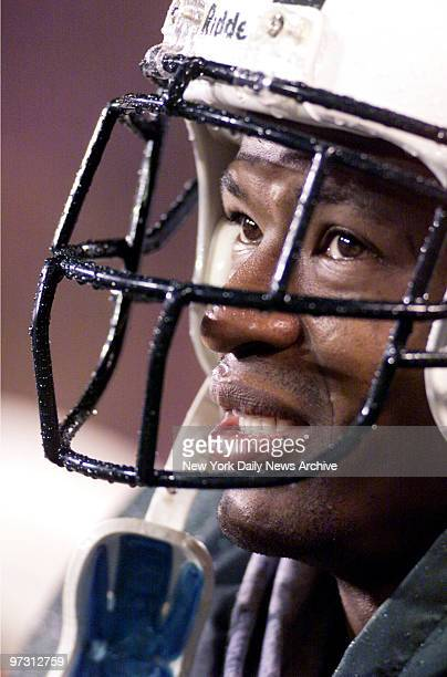 New York Jets' Steve Atwater during game against the Philadelphia Eagles at Giants Stadium