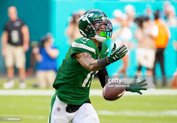 New York Jets Wide Receiver Robby Anderson cannot catch the ball thrown by New York Jets Quarterback Sam Darnold during the NFL game between the New...