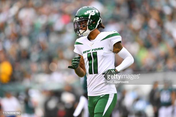 New York Jets Wide Receiver Robby Anderson sets up for a play in the first half during the game between the New York Jets and Philadelphia Eagles on...