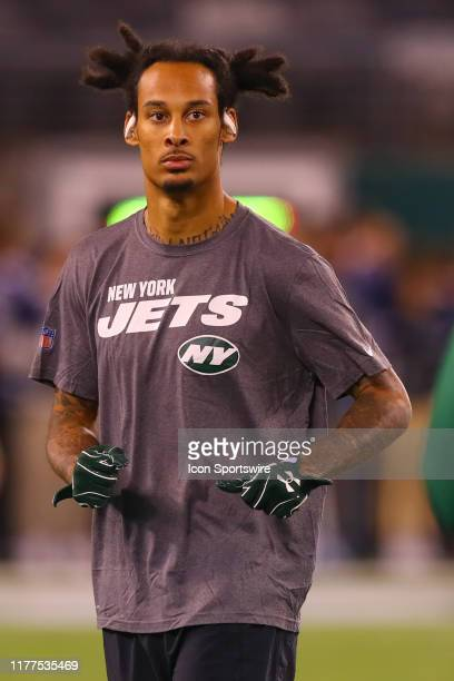 New York Jets wide receiver Robby Anderson warms up prior to the National Football League game between the New York Jets and the New England Patriots...