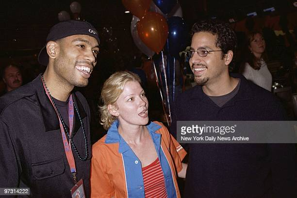 New York Knicks' Allan Houston actress Gretchen Mol and illusionist David Blaine get together at the AMF Chelsea Piers Lanes for 'Knicks Bowl 2' to...