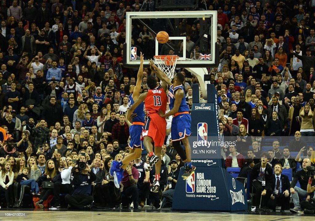 TOPSHOT-BASKET-GBR-USA-NBA-WIZARDS-KNICKS : News Photo