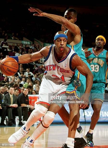 1364e04fd77e New York Knicks  Jerome Williams drives under New Orleans Hornets  PJ Brown  at Madison