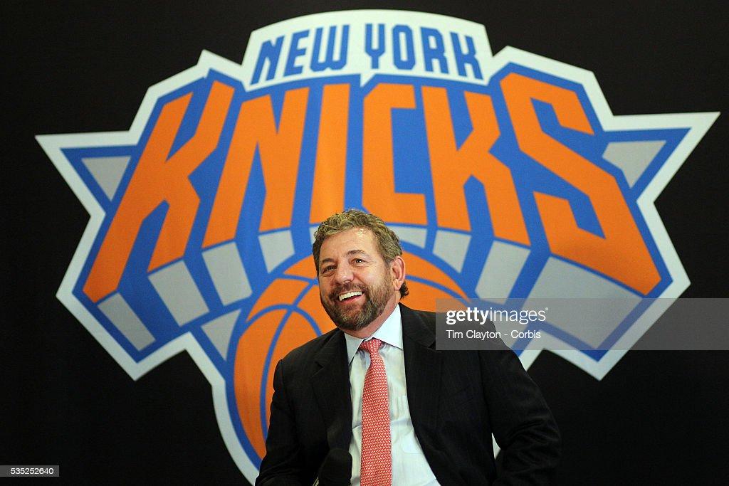 Phil Jackson. New York Knicks Press Conference. Madison Square Garden. New York. USA : News Photo
