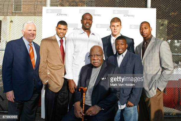 New York Knicks sports commentator John Andariese basketball player Allan Houston head coach of New York Knicks Herb Williams basketball legend Cal...