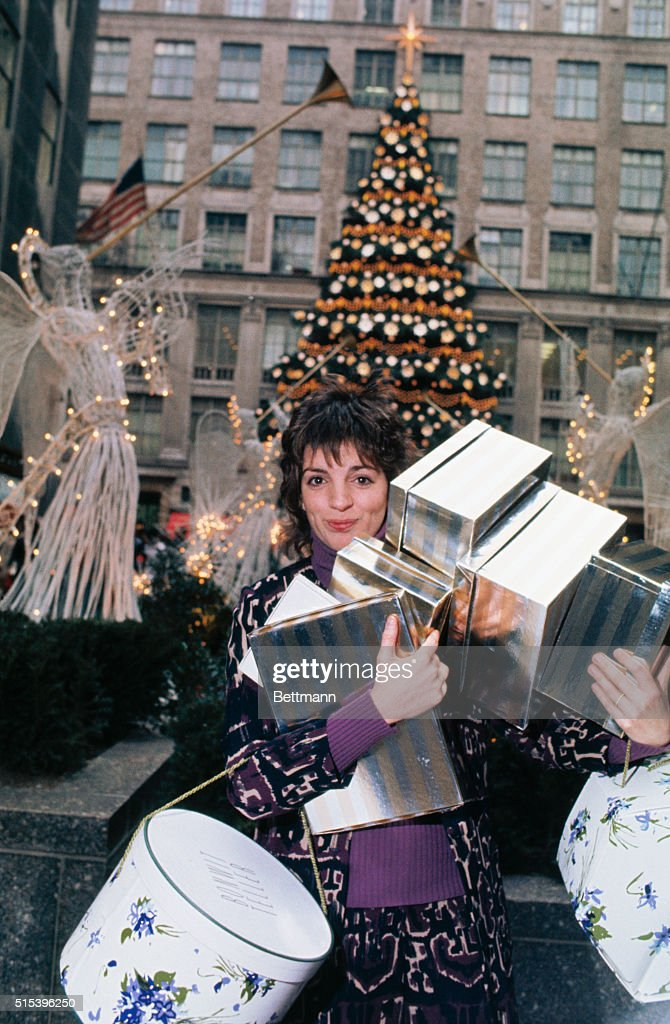 Liza Minnelli, daughter of the late singer Judy Garland and director ...