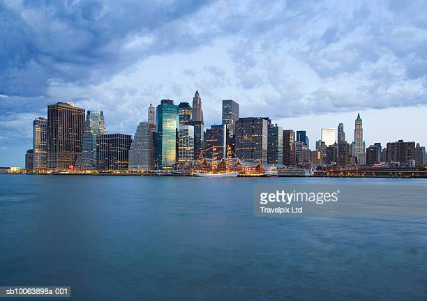 USA, New York, Manhattan at dawn