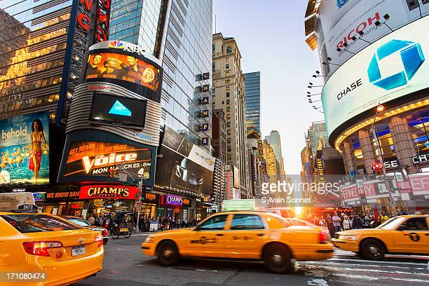 new york, manhattan, midtown, 7th avenue - 7th avenue stock pictures, royalty-free photos & images