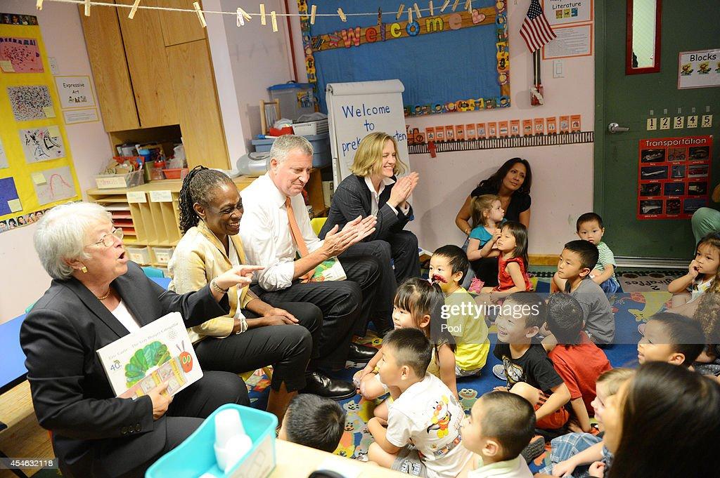New York Mayor Bill de Blasio Visits Inner Force Early Childhood Learning Center : News Photo