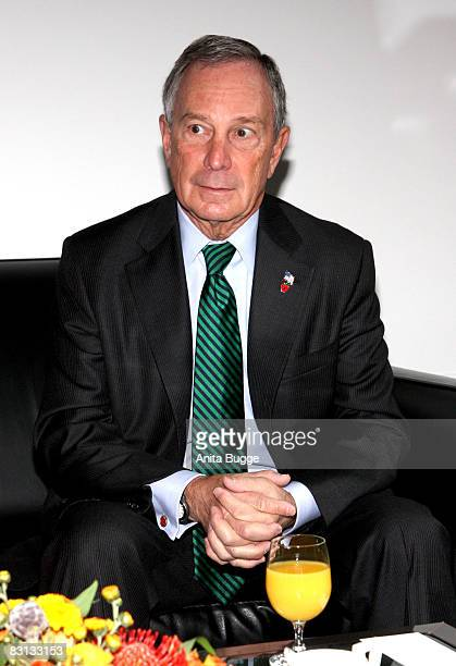 New York mayor Michael R. Bloomberg visits the Major of Berlin Klaus Wowereit to sign the Golden Book of Berlin at City Hall October 5, 2008 in...
