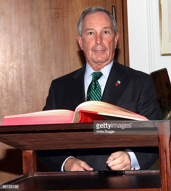 New York mayor Michael R. Bloomberg visits the Mayor of Berlin Klaus Wowereit to sign the Golden Book of Berlin at City Hall October 5, 2008 in...
