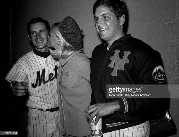 New York Mets' Bud Harrelson and Tom Seaver along with Seaver's wife Nancy celebrate Seaver's consectutive strikeout record and new daygame record