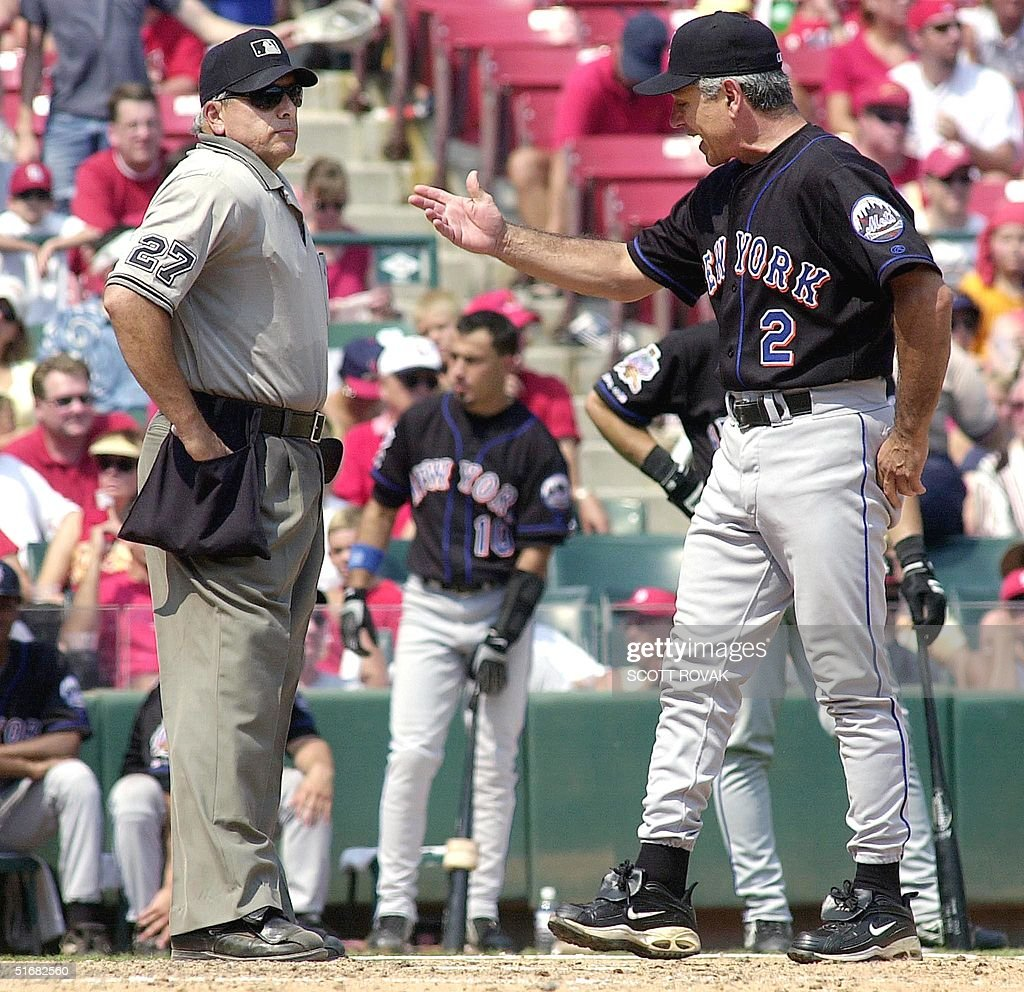 New York Mets\' Manager Bobby Valentine (R) argues Pictures | Getty ...