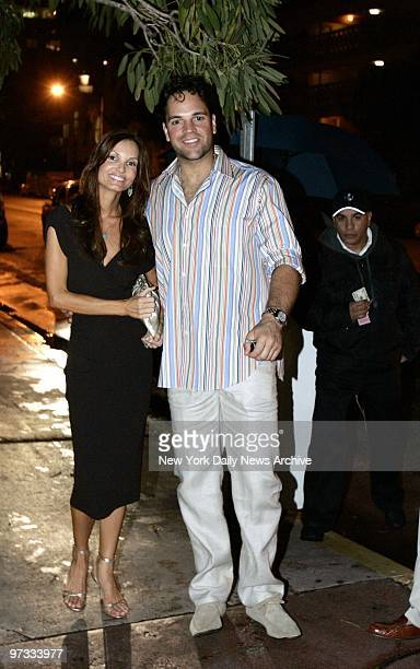 New York Mets' Mike Piazza and his fiancee Alicia Rickter arrive for dinner at Casa Tua Italian restaurant on James Ave in Miami after their wedding...