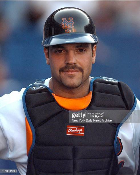 New York Mets' Mike Piazza in his first game as a Met at Shea Stadium