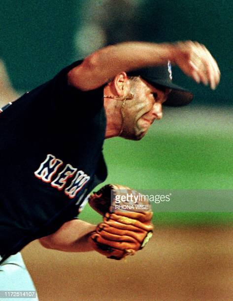 New York Met's pitcher Rick Reed throws a pitch to Florida Marlins' outfielder Mark Kotsay during ffth inning action 06 April 1999 at Pro Player...