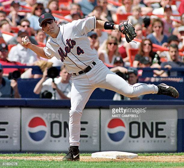 New York Mets third baseman Robin Ventura throws to first after fielding a line drive that struck New York Mets starting pitcher Allen Watson on the...