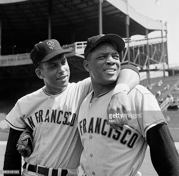 BASEBALL '1963 New York Mets vs San Francisco Giants' Pictured San Francisco Giants' Orlando Cepeda Willie Mays at the Polo Grounds in New York NY on...