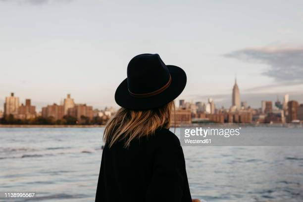 usa, new york, new york city, brooklyn, woman with hat - look back at early colour photography stock pictures, royalty-free photos & images