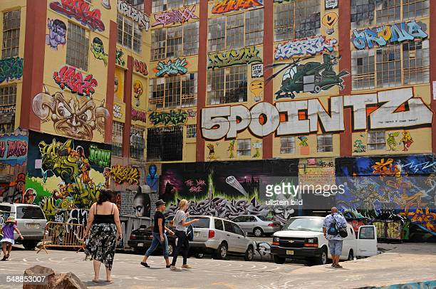 USA New York New York City Factory building with graffitis '5Pointz' is an outdoor art exhibit space for graffiti artists