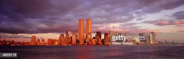 usa, new york, new york city, lower manhattan, skyline, sunset - twin towers manhattan stock photos and pictures