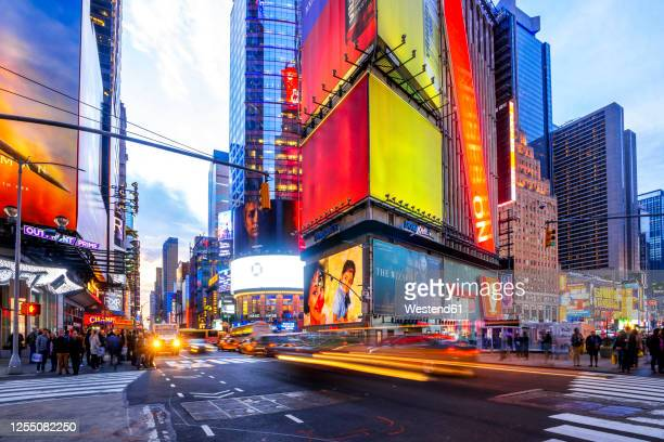 usa, new york, new york city, traffic on times square - times square manhattan stock pictures, royalty-free photos & images