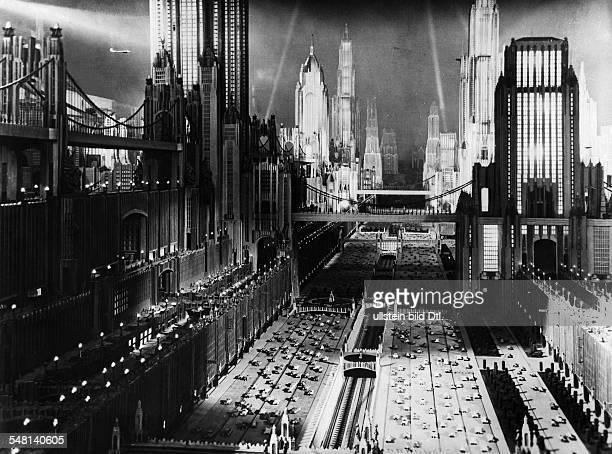 USA New York New York City Visionary design of New York in the future by an American artist 1934 Vintage property of ullstein bild