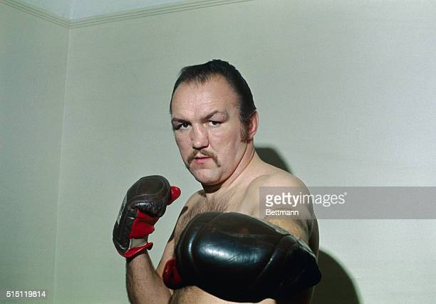 "New York, New York. Close up of heavyweight boxer Charles ""Chuck"" Wepner in boxing pose with gloves."