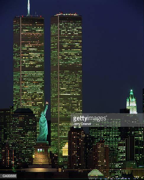 USA, New York, New York, Statue of Liberty, World Trade Center, night